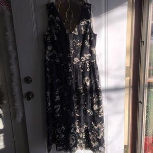 SLNY formal tea length black/gold dress